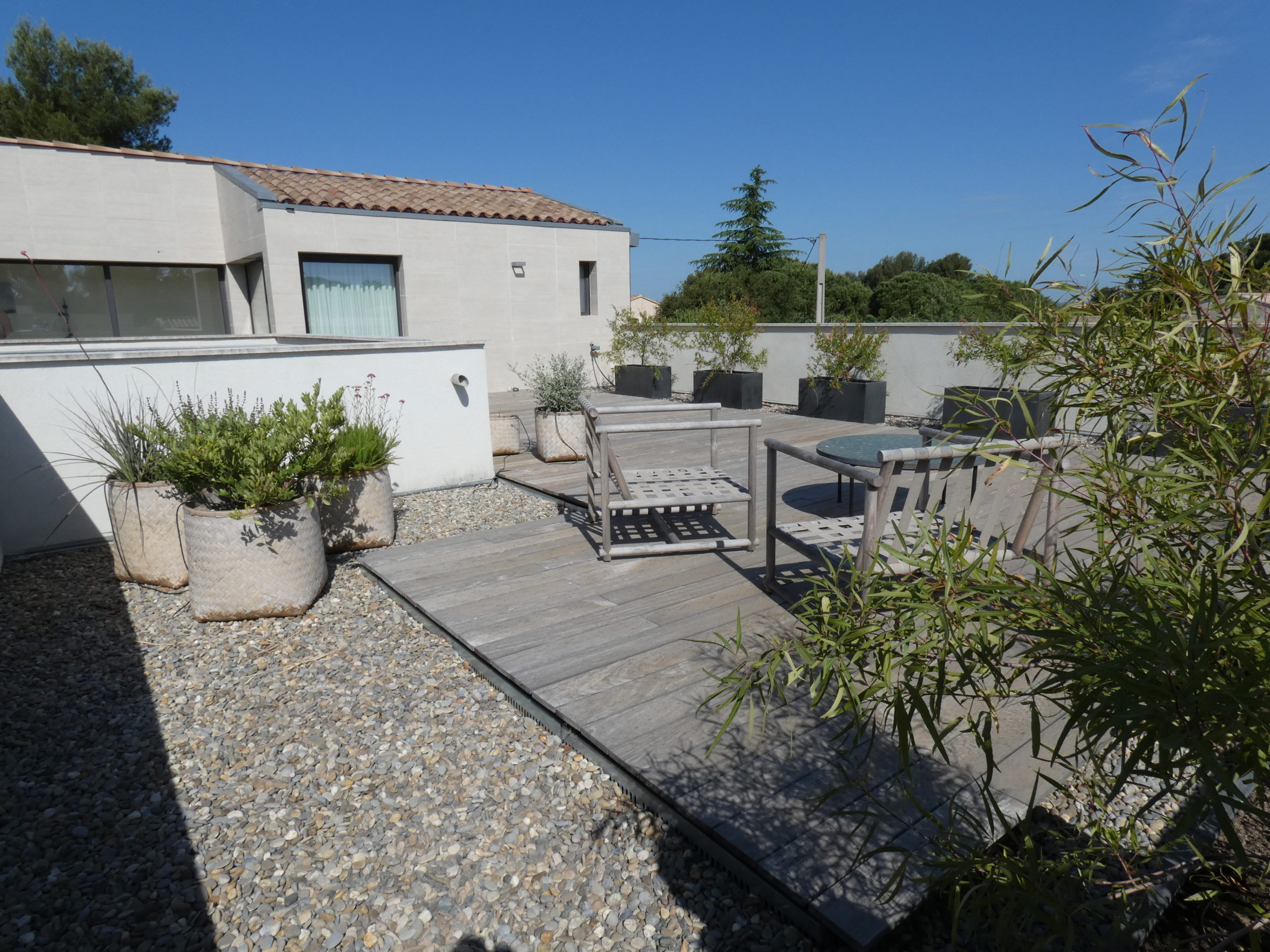 Menuiseries aluminium et terrasse en IPE Saint Rémy de Provence